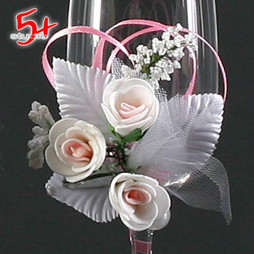 Бокалы для шампанского свадебные декорированные цветочной композицией